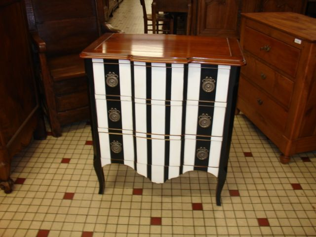 COMMODE POLYCHROME